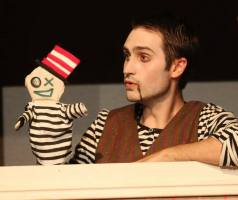 Hinky Binky as himself (L) and Scott Humphrey as Millet (R) in Fuddy Meers.