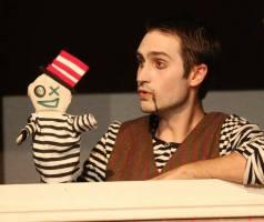 Hinky Binky as himself (L) and Scott Humphrey as Millet (R) in Fuddy Meers.